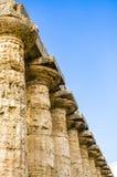 Paestum, détail du temple dorique de Neptune ou de Hera II l'Italie images stock