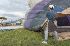 PAESTUM, ITALIE, le 4 octobre 2014 collecte des ballons à air chauds Photographie stock