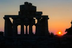 Paestum no por do sol fotografia de stock royalty free