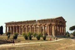 Paestum van de tempel Stock Afbeeldingen