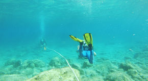 Pafos镇,塞浦路斯,欧洲- 2015年7月19日:轻潜水员在Cupr 免版税库存图片