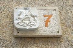 Pag, Хорватия, 23-ье июня 2018 Каменный домашний 7 на доме в хорватском городке Pag на острове Pag Стоковая Фотография RF