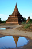 Pagada de la reflexión en la ciudad antigua de Bagan Archaeological Zone en Bagan, Myanmar Fotografía de archivo libre de regalías