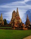 Pagada dentro del templo antiguo de Wat Chaiwatthanaram- Fotos de archivo