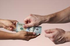Pagamento com conceito do dinheiro foto de stock royalty free