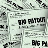 Pagamento grande muitas verificações Rich Wealthy Money Pile Foto de Stock