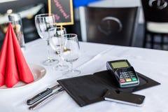 Pagamento mobile Tempo per uso tutto il cellulare a anykind del pagamento Li Fotografie Stock