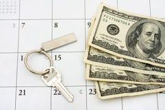 Pagando sua hipoteca no tempo Fotos de Stock Royalty Free