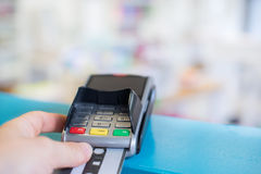 Pagar com cartão de crédito Foto de Stock Royalty Free