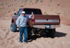 PAGE, ARIZONA/USA - 9 NOVEMBRE : Guide d'Indien de Navajo dans le Dese Images libres de droits