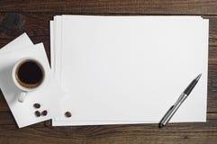 Page blanche de papier et de café Photo libre de droits
