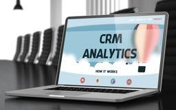 Page d'atterrissage d'ordinateur portable avec le concept d'Analytics de Crm 3d Photographie stock