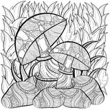Page de livre de coloriage pour des adultes Scène avec des champignons Image stock