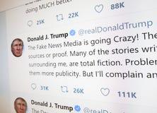 Page officielle de Twitter de Donald J atout images stock