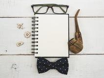 Page vide de bloc-notes pour vos souhaits Images stock