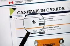 Page Web officielle sur le gouvernement du site de Canada au sujet du cannabis photographie stock libre de droits