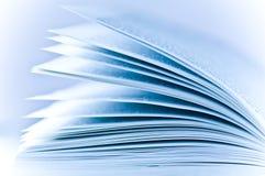 Pages d'un livre image stock