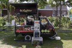 Paggio-Affe Veggie-Lebensmittel-LKW in Amsterdam Stockbild