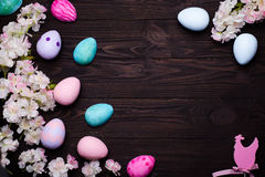 Pagina con il fiore e le uova immagine stock