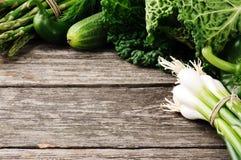 Pagina con le verdure organiche verdi Fotografia Stock Libera da Diritti