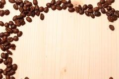 Pagina dai chicchi di caffè Immagini Stock