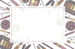 Pagina dei cosmetici decorativi, con il posto per testo Stile disegnato a mano Roba della donna Elementi colorati trasparenti Fotografia Stock