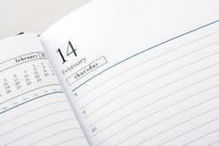 Pagina del diario aperta al giorno del biglietto di S. Valentino Fotografie Stock