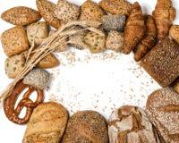 Pagina di vari tipi di pane e di panini, sopra la vista Immagine Stock