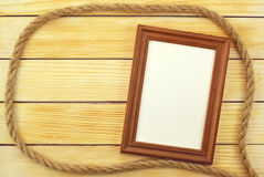 Pagina la menzogne su un fondo delle assicelle di legno Immagine Stock Libera da Diritti
