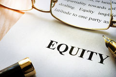 Pagina met woordgelijkheid stock afbeelding