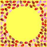 Pagina per una foto delle dalle labbra colorate multi su un fondo giallo grafici immagini stock