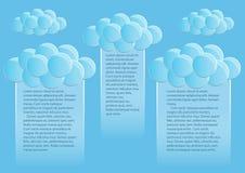 Pagina 2 van 5 Model met de blauwe samenvatting van het hemeleind om wolken Stock Fotografie
