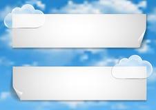 Pagina 6 van 8 Model met de blauwe witte wolken van het hemeleind Royalty-vrije Stock Afbeelding