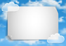 Pagina 2 van 8 Model met de blauwe witte wolken van het hemeleind Royalty-vrije Stock Afbeelding