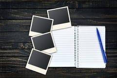 Pagina vuota e foto istantanee Immagini Stock