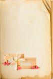 Paginación del libro viejo y tarjeta de la invitación Imagen de archivo libre de regalías