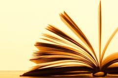 Pagine di un libro immagini stock