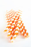 Paglie di carta della bevanda su fondo bianco Fotografie Stock Libere da Diritti