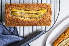Pagnotta del pane di noci e della banana Fotografia Stock