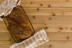 Pagnotte di pane intero sano recentemente al forno Fotografie Stock Libere da Diritti
