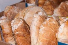 Pagnotte di pane pronte ad essere venduto Immagini Stock Libere da Diritti