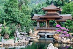 Pagod av den asiatiska templet Arkivfoto