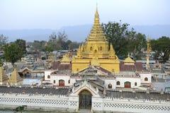 PAGOD FÖR ASIEN MYANMAR INLE SJÖ NYAUNGSHWN Fotografering för Bildbyråer
