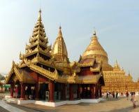 Pagod för Shwe zigon, Bagan, Myanmar royaltyfri foto