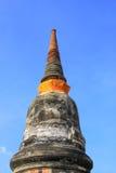 Pagod med blå himmel på Ayuthaya, Thailand Arkivfoton