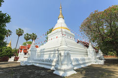 Pagod på den Prakaew dontaotemplet Arkivbild