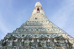 Pagod på Wat Arun Arkivbilder