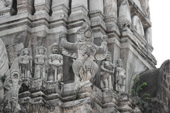 Pagod på Wat Ratburana Temple i Ayudhaya, Thailand arkivbild