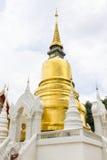 Pagod på Wat Suan Dok i Chiang Mai, Thailand Fotografering för Bildbyråer