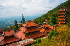 Pagod tempel askfat vietnam Phan Thiet Sommar Arkivfoto